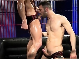 Muscle jock oral sex with cumshot